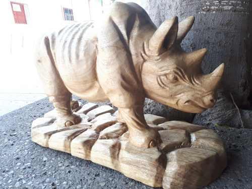 Escultura De Rinoceronte 40 Cm,talla En Madera De Nanguipo