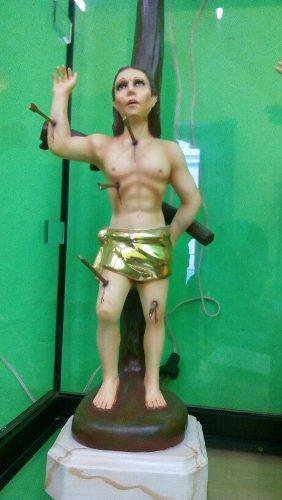 Escultura De San Sebastian Martir Tallado En Madera Con Oro