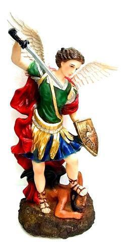 Figura De San Miguel Arcangel. - 40 Cm. / Resina.