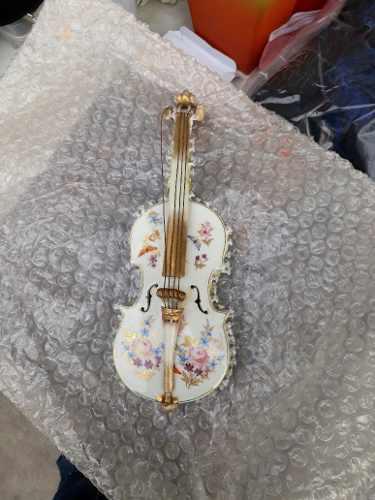 Figura Instrumento Musical Violin Porcelana Europea Antigua