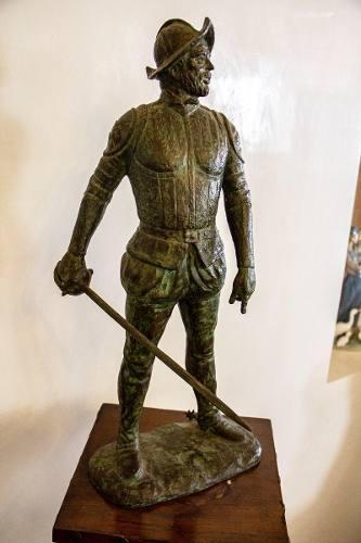 Impactante Escultura En Bronce De Conquistador
