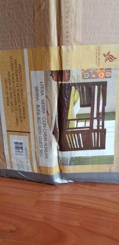 Litera color chocolate con cama adicional corrediza:D