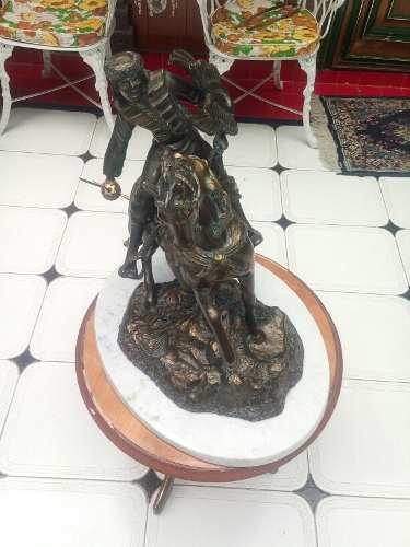 Montil G. Escultura Base Marmol Italiana Todavia Disponible