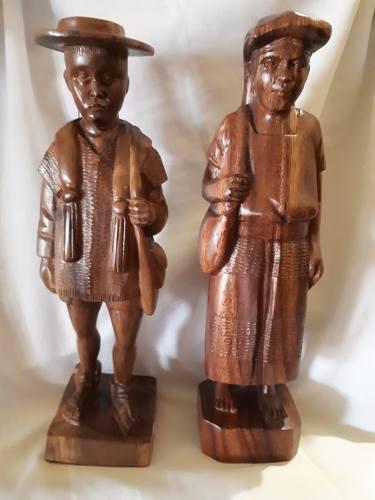 Pareja De Indígenas Zinacantecos,tallado En Madera 30cm