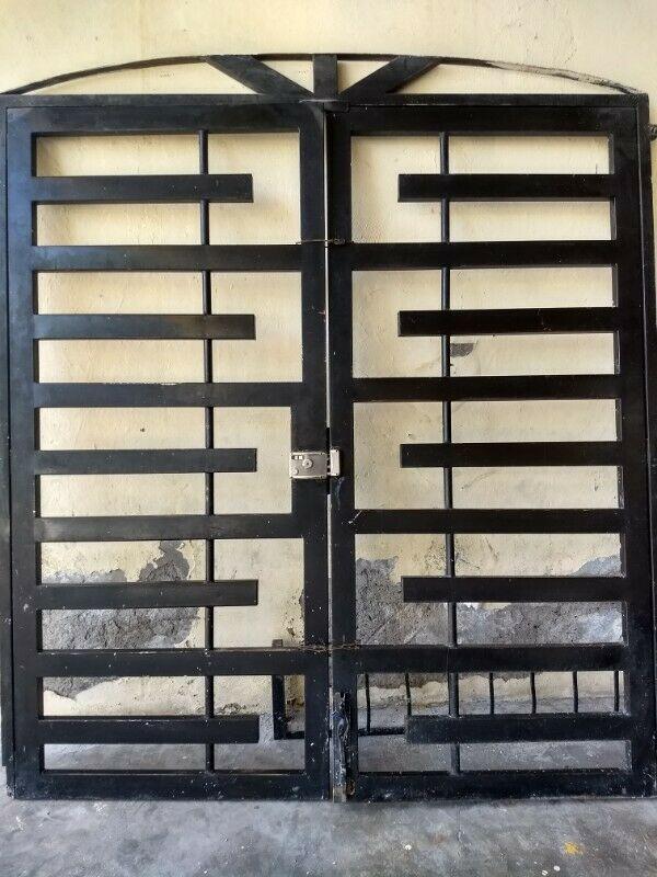 Reja para puerta corrediza o puerta principal
