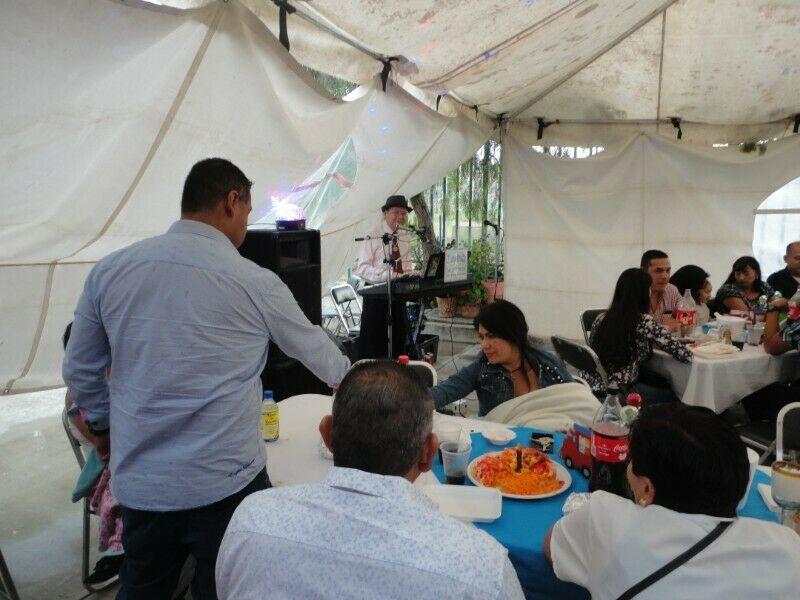 TINO RUIZ Tecladista Cantante para Fiestas y Eventos
