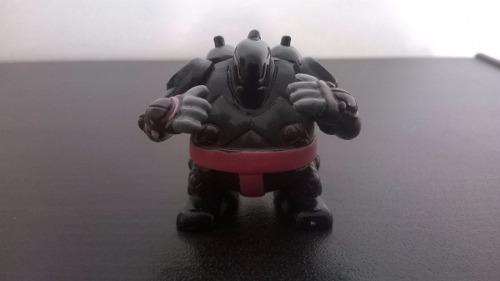 Sixsix Sumo Slammer Miniatura Ben 10 Bandai