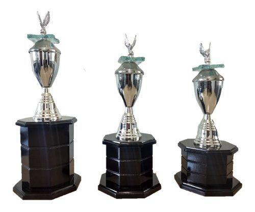 2tercias De Trofeos Estilo Universal Para Cualquier Deporte