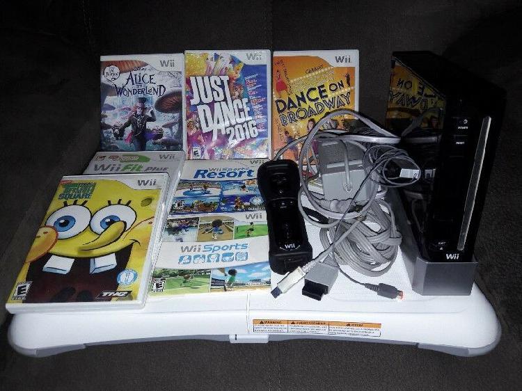 Wii Negro con 7 Cds de Juegos y Wii Fit Plus