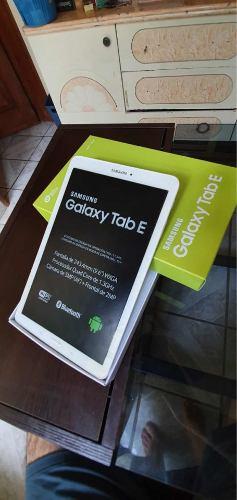 Tablet Samsung Galaxy 9.6 Blanca Nueva