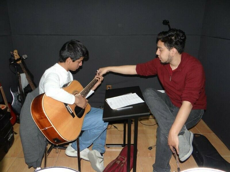 Clases de guitarra clásica y contemporánea