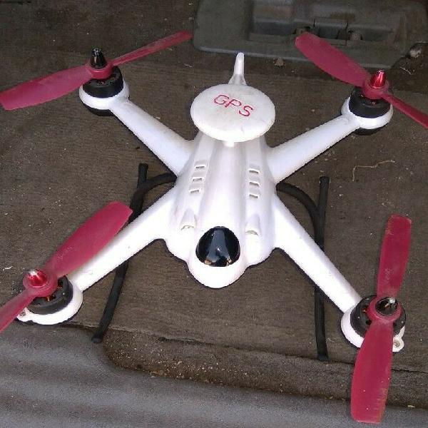 Drone Flying 3D con unidad GPS y Control Remoto.
