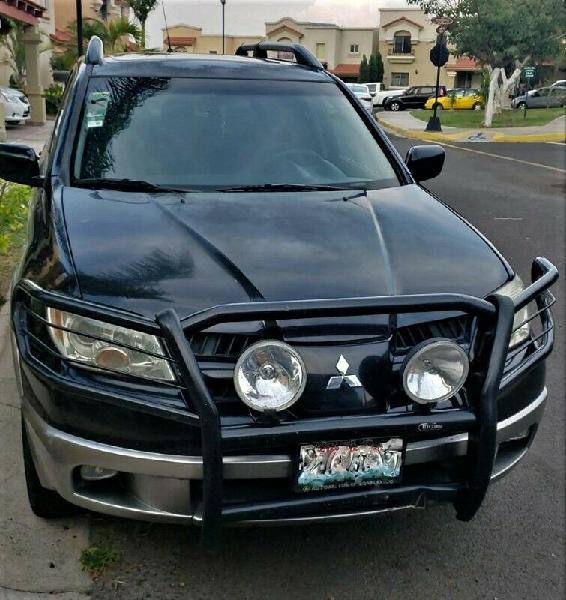 Outlander XLS, 2006, motor 2.4 SOHC MPI MIVEC de 16