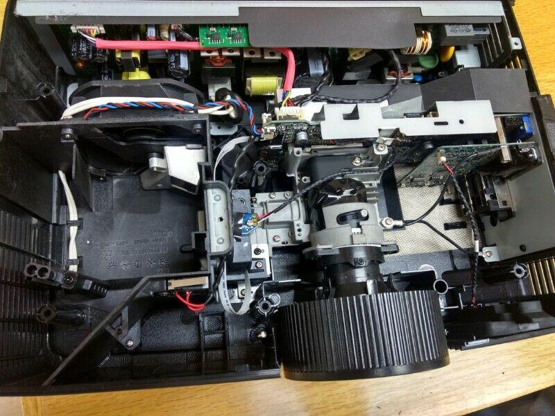 Reparación e instalación de proyectores y equipo