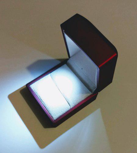 Caja Estuche Para Anillo De Compromiso Luz Led