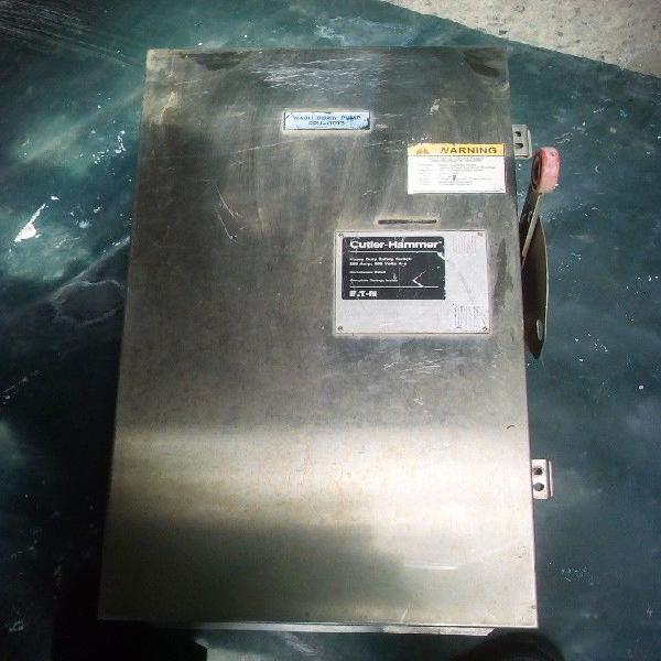 Interruptor De Cuchillas 3 X 200 Amperes 600 V Cutler-hammer