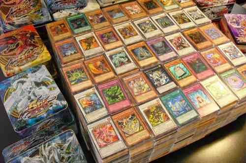 Yugioh Mega Pack 100 Cartas Con 10 Foils En Buen Estado