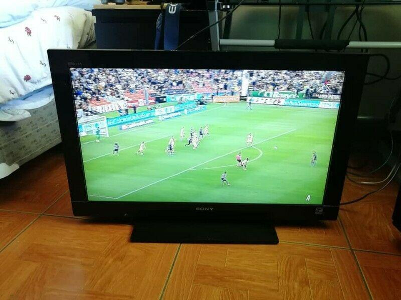 TELEVISION LCD SONY 32 PULGADAS HMDI DIGITAL SIN DETALLES