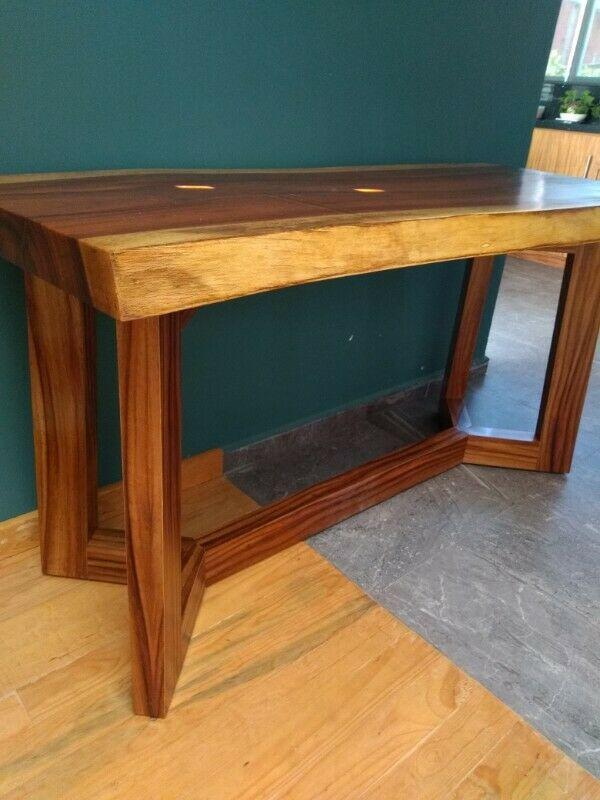 Se vende mesa de parota