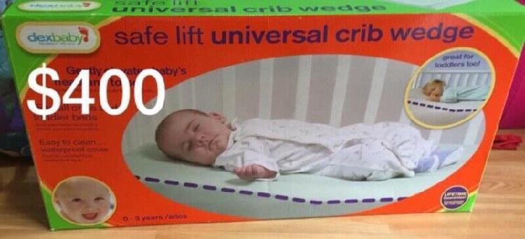 Almohada de elevación para bebé.