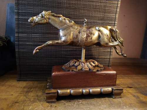 Escultura De Caballo De Bronce Con Base De Caoba