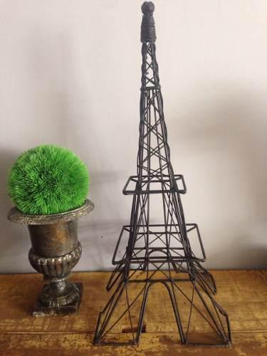 Escultura De Torre Eiffel En Metal