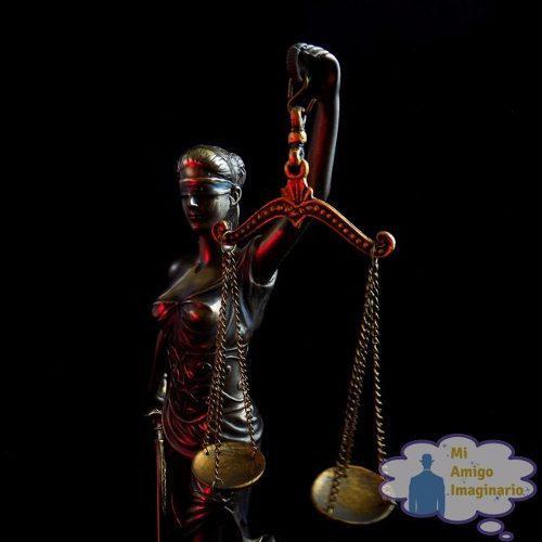 Figura De La Diosa De La Justicia Themis