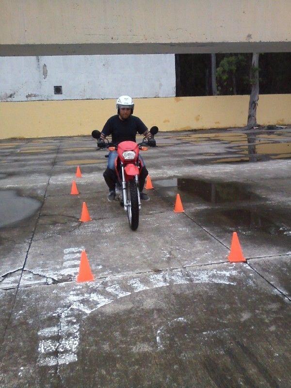 CLASES DE MANEJO EN MOTO ! Aprende Facil y seguro