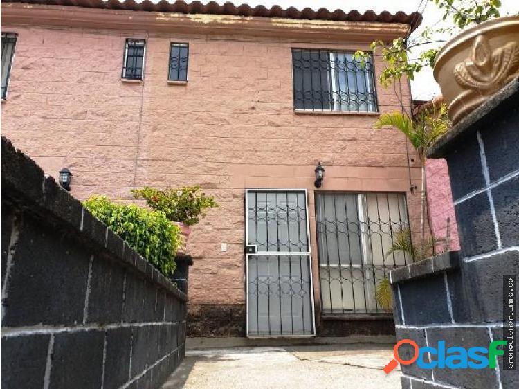 Renta de Casa en Condominio en Lomas de Ahuatlan