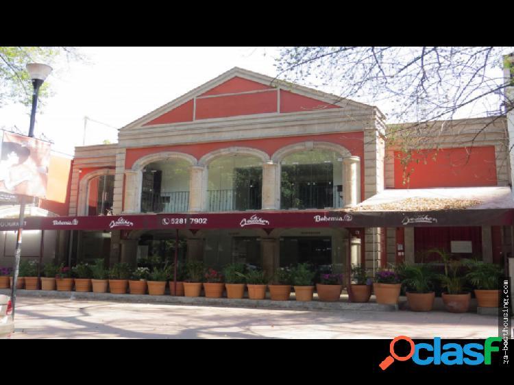 Se vende edificio en Alejandro Dumas, Polanquito