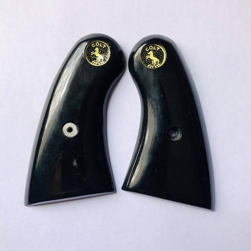 Cachas Colt 38 Spl King Cobra