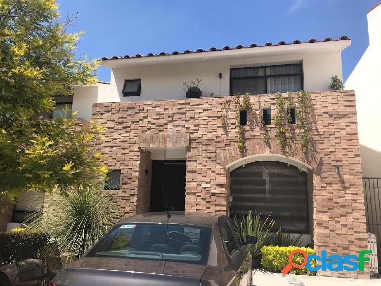 Casa en condominio en venta en Cumbres del Lago, Querétaro,