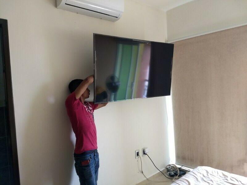 Instalación de soportes de pantallas tv. Extendibles.