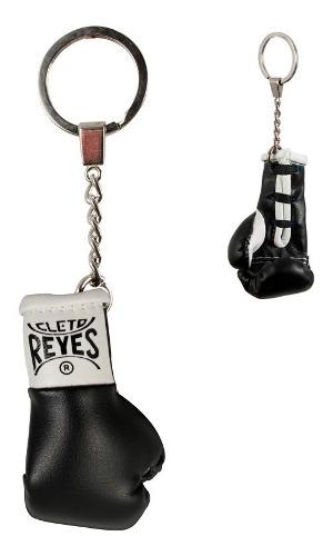 Llavero Minatura Guante Cleto Reyes Color Negro (1 Pieza)