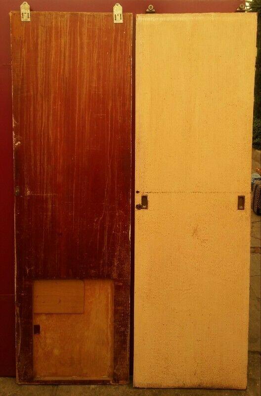 Par de puertas corredizas de madera para closet usadas