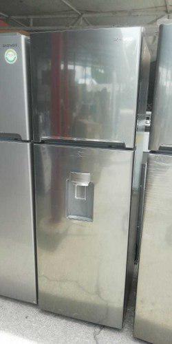 Refrigerador Cromado De 9 Pies Con Dispensador De Agua