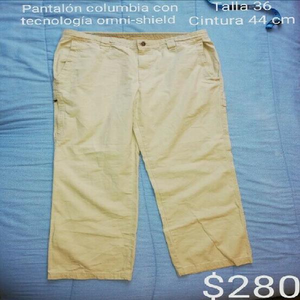 Pantalón marca columbia