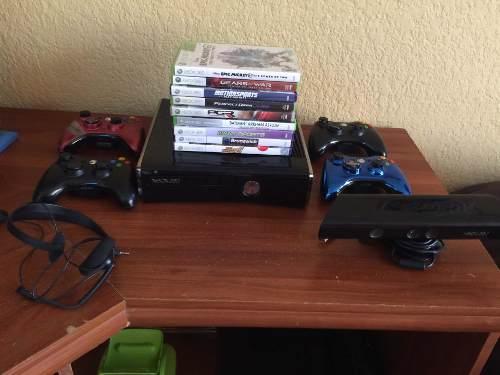 Xbox 360 Como Nuevo Con 4 Controles Y Más.