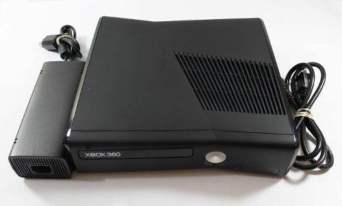 Xbox 360, En Buenas Condiciones Con Kinect Y Juegos