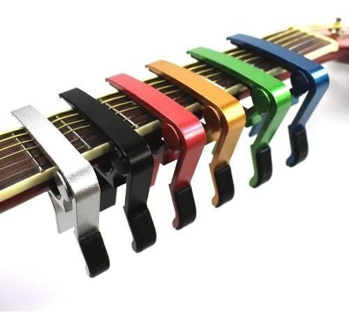 Kit Guitarra Capo Afinador Joyo Y Porta Puas Con 10 Puas