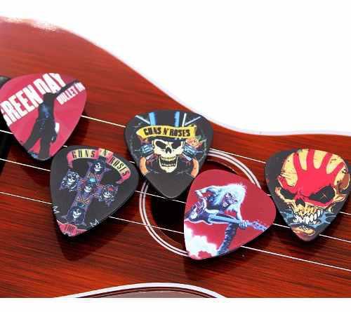 Pak Con 100 Puas Para Guitarra O Bajo Grupos De Rock Variado
