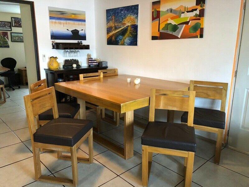 Vendo muebles de madera y mesas