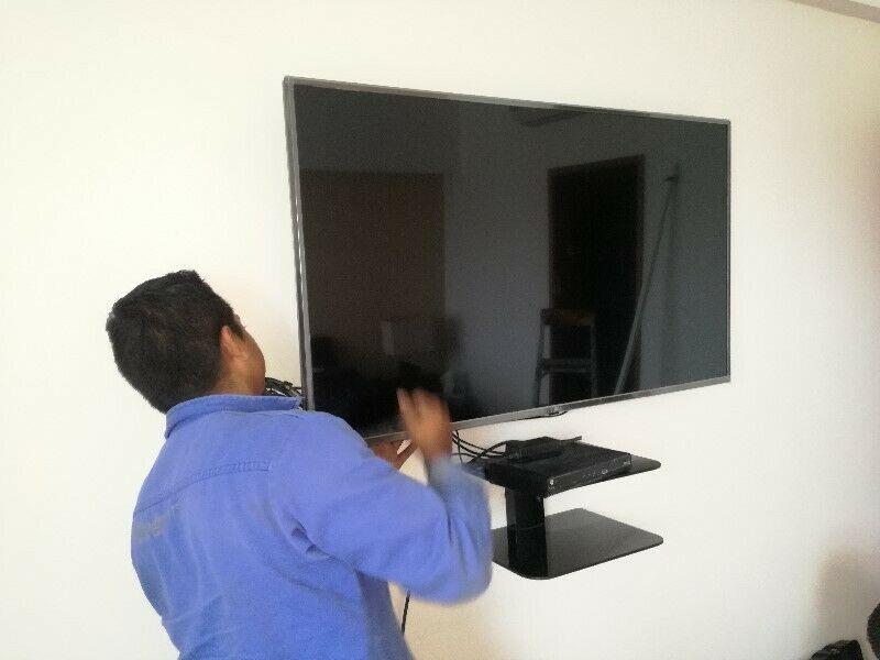 Experto en soportes de pantallas instalación.