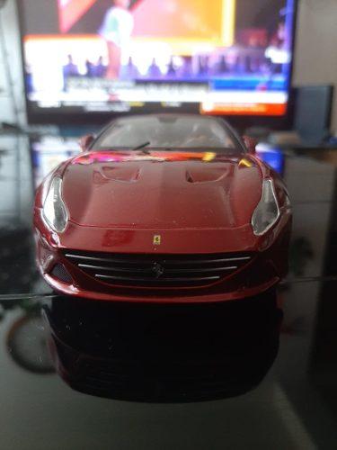 Auto A Escala De Colección Ferrari California T