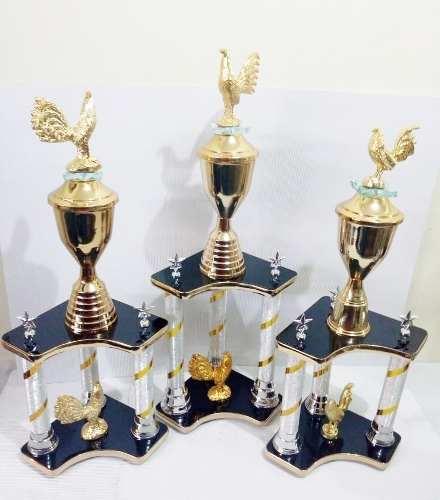 Trofeos Deportivos De Gallos Tercia Dorada