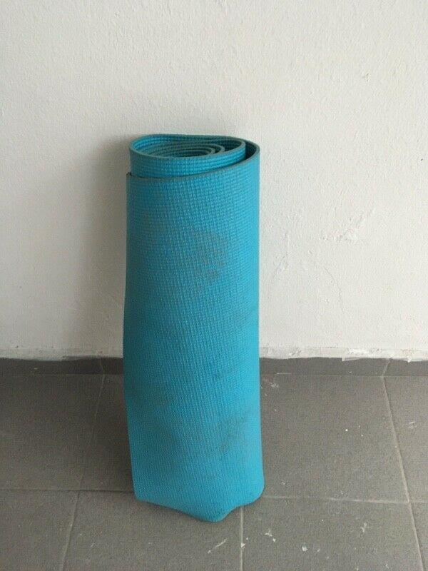 Vendo 2 tapetes para hacer ejercicio