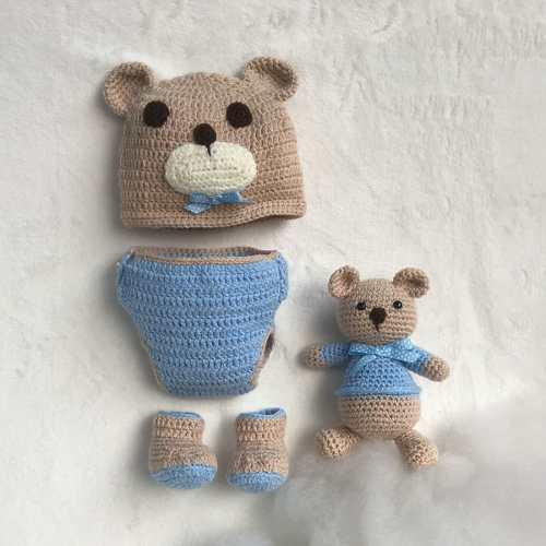 Conjunto Osito Tejido Crochet Gorro Pañalero Zapatos Sonaja