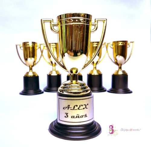 25 Copa Trofeo Premio Estatuilla Copa Dorada 10cm Fiesta Car