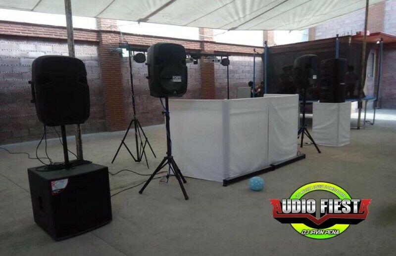 Luz y sonido para tu fiesta con dj profesional