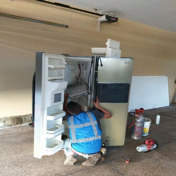 Reparación de Refrigeradores y Enfriadores de Cristal